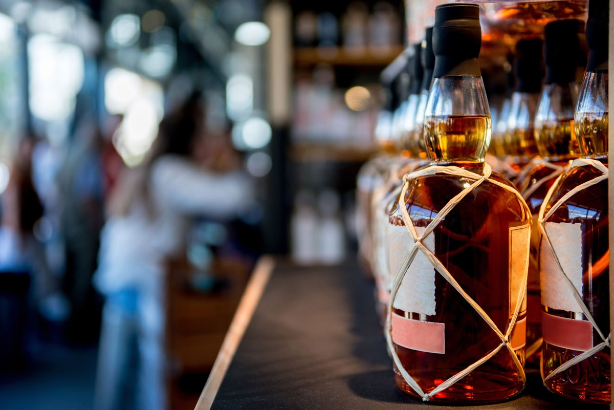 Comment investir dans le whisky ? Nos conseils